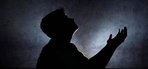 ikhwan-berdoa
